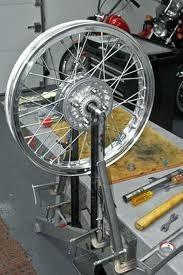 motorcycle-wheel-truing